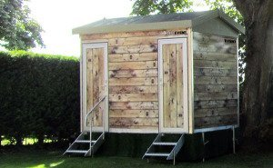 Dad's shed luxury loo hire