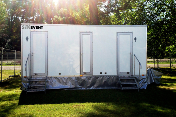 Luxury Toilet Trailer Hire
