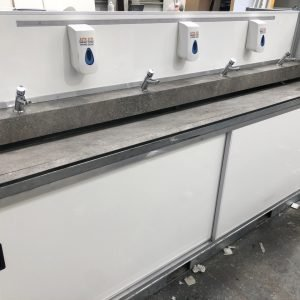 8 Bay Hand Wash Station